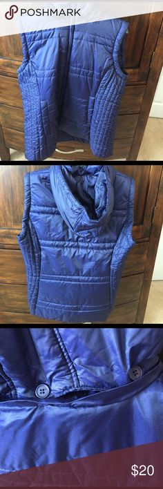 NY&C navy blue vest, hood detachable by buttons NY&C navy blue vest, hood detachable by buttons, zipper for closure New York & Company Jackets & Coats Vests