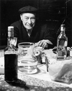 Josep Pla a Llofriu (Josep Pla in Llofriu). 1977. Photographer: Francesc Català i Roca (Valls, Alt Camp, 1922 - Barcelona, 1998)