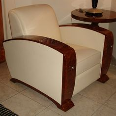 Fauteuil art déco Paris Art Deco Paris, Deco Baroque, Deco Cuir, Wooden Sofa, Sofa Set, Chair, Antiques, Bed, Nostalgia