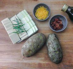 Deze simpele truc transformeert een gebakken aardappel in een stukje kunst. Bijna te mooi om te eten!