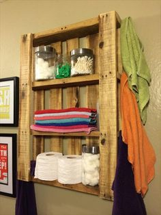 #Bathroom Wall Hanging #Shelf - 10 DIY Wood Pallet Shelf Ideas | 1001 Pallet Ideas