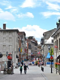 How To Get The Most Out Of Montreal In A Day: A Itinerary rough the streets as you make y Montreal Travel, Old Montreal, Montreal Canada, Romantic Getaways, Romantic Travel, Cool Places To Visit, Places To Go, Book My Trip, What A Beautiful World