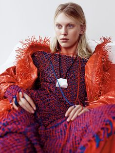 Juliana Schurig for Vogue China May 2015 - Page 2 | The Fashionography
