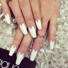 Love this nail art design as worn by Kylie Jenner Coffin Nails Matte, Stiletto Nails, Acrylic Nails, Laque Nail Bar, Kylie Jenner Nails, Ballerina Nails, Manicure E Pedicure, Super Nails, Creative Nails