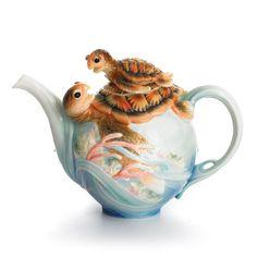 FZ01859 Franz Porcelain Turtle design teapot sculptured Fabulous and Beautiful