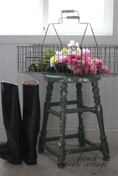 FRENCH COUNTRY COTTAGE: An Old Painted Stool