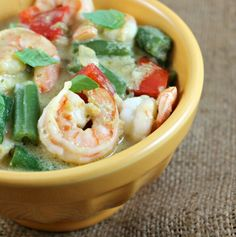 Thai Green Curry Shrimp red peppers and green beans... Awsome Dish!