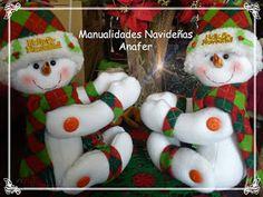 Manualidades Anafer: Cortineros Navideños Build A Snowman, Snowman Crafts, Felt Crafts, Diy Crafts, Christmas Wreaths, Christmas Decorations, Christmas Ornaments, Christmas Ideas, Holiday Crafts