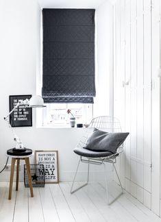 #interior #window #decoration #windowdecoration #design #modern  #white #wood #black #blackandwhite #whitewood #minimalistic