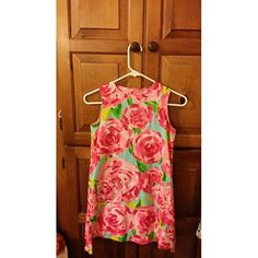 """Lilly Pulitzer Minnie """"girls"""" HPFI size 12 Lilly Pulitzer Minnie dress Hotty Pink First Impressions girls size 12 or Large. Very excellent condition as she wore it once to church and has since outgrown it :( Lilly Pulitzer Dresses"""