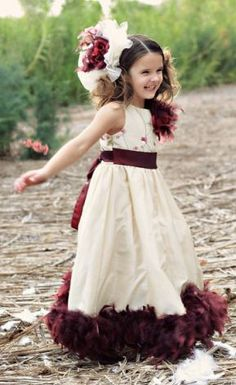 I love this dress! wonder if i could make one similar for shannin!