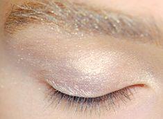 Sparkly eyes (and brows). Makeup Inspo, Makeup Art, Makeup Inspiration, Hair Makeup, Makeup Ideas, Beauty Make Up, Hair Beauty, Mascara, Eyeliner