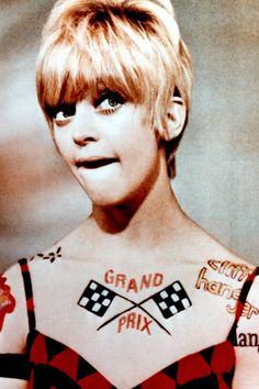 Goldie Hawn, 1968 Aloxxi Hair Color Personality AMALFI CHIC (TM)   laugh in   iconic hair   short hair   pixie cut   celebrity hair   hair inspiration