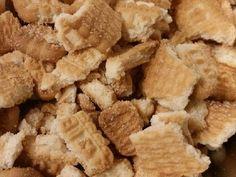 Γλυκό ψυγείου με μπισκότα και τριμμένη σοκολάτα της Gretel φωτογραφία βήματος 1 Snack Recipes, Snacks, Greek Recipes, Deserts, Chips, Cooking, Food, Georgia, Clever