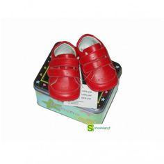 Estos deportivos para bebé sin suela en piel color rojo combinarán perfectos con sus primeros jeans!! Un regalo para bebé diferente! Del 16 al 19