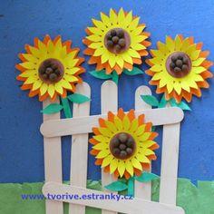 Stránky pro tvořivé - malé i velké - Fotoalbum - Podzim - Slunečnice za plotem…