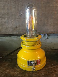 Yellow Submarie Desktop Pipe Lamp