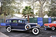 1932 Henney Model 10 - This Model 10 Hearse is powered by a 322 cubic-inch L-Head Lycoming straight-eight engine capable of producing 125 horsepower. It has a three-speed manual gearbox and four-wheel drum brakes. Vintage Auto, Vintage Cars, Antique Cars, Classic Cars Usa, Old Fords, Drum Brake, Amelia Island, Car Car, Coaches