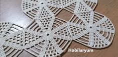 Crochet Dollies, Crochet Lace, Free Crochet, Crochet Bikini, Thread Crochet, Crochet Crafts, Crochet Stitches, Crochet Table Runner, Crochet Tablecloth