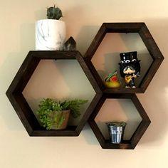Decor, Shelves, Workout Room Home, Decor Design, Furniture Decor, Hexagon Shelves, Elegant Living Room, Cool Bookshelves, Wooden Design