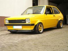 Ford Fiesta Montse Ford Rs, Car Ford, Mk1, Retro Cars, Vintage Cars, Ford Classic Cars, Old Fords, Henry Ford, Amazing Cars