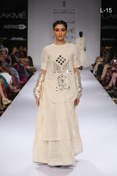 Online shopping on designer brands for women clothing. Discount shopping on designer dresses, footwear, handbags, watches, accessories and much more at Styletag India Mirror Work Kurti, Mirror Work Dress, Indian Designer Outfits, Designer Dresses, Linen Dress Pattern, Fancy Kurti, Dress Indian Style, Indian Dresses, Lakme Fashion Week