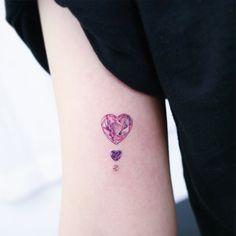 "3,310 Me gusta, 26 comentarios - STUDIOBYSOL_heemee (@heemee.tattoo) en Instagram: ""반짝반짝 빛나는 것 들 1 , two heart jewels and pearl"""
