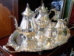 Dianne Zweig - Kitsch 'n Stuff: Has The Popular Drama Series Downton Abbey Influenced Your Antiques And Collectibles Business ? Vintage Silver, Antique Silver, Silver Tea Set, Tea Tins, Historical Artifacts, Teapots And Cups, Elegant Dining, Tea Service, Vintage Coffee