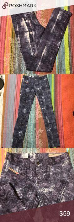 NWOT Diesel Livier-sp super slim jegging low waist Cotton/elastane blend skinny pants; super light material; NEVER WORN Diesel Pants Skinny