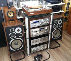 Vintage Audio Love — Headphones Or Speakers ? Hifi Audio, Audio Speakers, Audio Headphones, Mc Intosh, Pioneer Audio, Cd Player, Audio Room, Record Players, Vintage Records