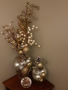 How to make easy DIY Christmas Decorations using fallen branches and ornaments. Perfect Christmas or winter wonderland decoration for living room, bedroom, or wedding centerpiece. Great Budget decor ideas for the home and small spaces. Simple Christmas, Christmas Home, Christmas Holidays, Christmas Crafts, Christmas Wedding, Christmas Center Piece Ideas, Elegant Christmas, Christmas 2019, Beautiful Christmas