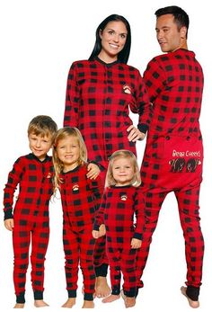 I WANT THESE Matching family onesie pajamas Christmas gift. Family pj's, fun family traditions