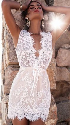 White Deep V-neck Sleeveless Lace Short Dress