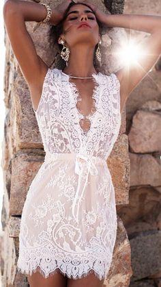 White Deep V-neck Sleeveless Lace Short Dress