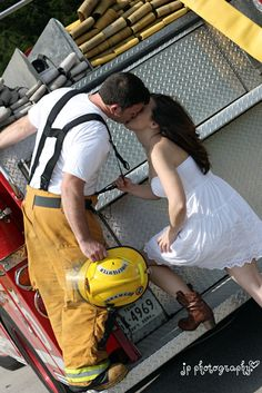 this is such a cute idea!     #engagement #firefighter