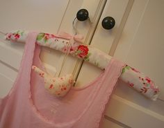 love the little bird hanging - could just make a heart and fill it with a sachet