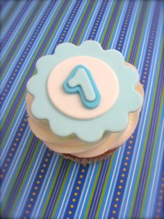 Edible fondant letter or number cupcake toppers....edible details.com