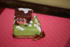 Miniature Dollshouse Fair in Italy had a Contest for MiniCake Designers... Check out the detail on this 1:12th scale cake! ~ Pic 8 of 8