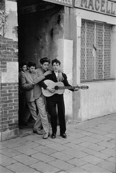 by Henri Cartier-Bresson, Italy, Venice, 1953
