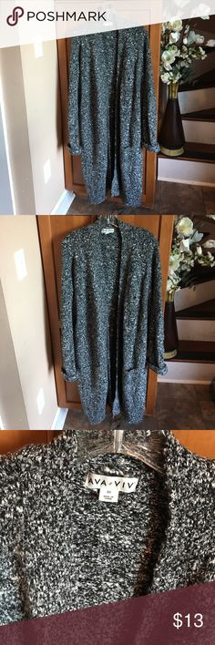 Like New Soft Ava & Viv Long Cardigan size 3X Soft and warm Ava & Viv Long Cardigan woman's size 3X, no rips or stains. Ava & Viv Sweaters Cardigans