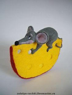 *NEEDLE FELT ART ~ Игрушки животные, ручной работы. Ярмарка Мастеров - ручная работа Любителям сыра посвящается. Handmade. Mouse and cheese