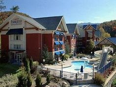 Gatlinburg (TN) Fairfield Inn and Suites Gatlinburg North United States, North America The 3-star Fairfield Inn and Suites Gatlinburg North offers comfort and convenience whether you're on business or holiday in Gatlinburg (TN). The hotel offers a wide range of amenities and perks to ensure you have a great time. Facilities like free Wi-Fi in all rooms, facilities for disabled guests, meeting facilities, newspapers, laundry service are readily available for you to enjoy. Each ...