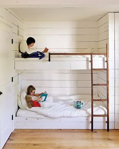 Idea to build a closet at the end of bunkbeds for a built-in look