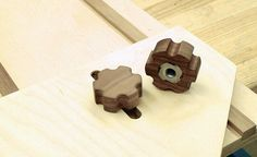 Homemade Walnut Knobs. Ok now that is just neat, will definitely be giving this a try.