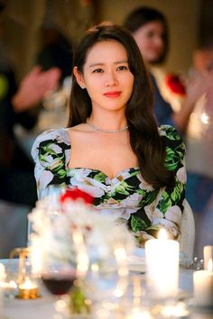 Let's take a look the dress, Son Ye-jin wears in the last episode 16 of Korean Drama 'Crash Landing On You'. Korean Actresses, Korean Actors, Actors & Actresses, Hyun Bin, Korean Celebrities, Celebs, The Last Princess, Korean Drama Movies, Korean Dramas