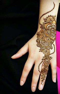 beautiful and charming women hand mehndi