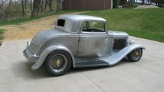 1932 Ford For Sale, Antique Cars For Sale, Vintage Rolls Royce, Futuristic Cars, Car Ford, Car Photography, Hot Rods, Cutaway, Futuristic Vehicles