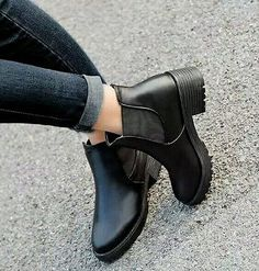 Womens size 7 platform booties / Women's shoes / Women's boots / Platform boots