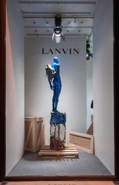 (A través de CASA REINAL) >>>>>  LANVIN Window Display