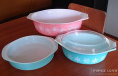A website dedicated to vintage Pyrex.  O.M.G.